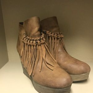 Sbicca Wedge booties with fringe detail. Size 10